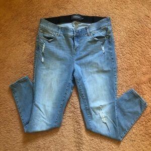 Torrid Premium Bombshell Skinny Jeans size 18R EUC